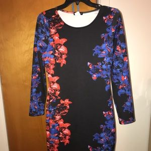 💖💖💖VENUS Floral Soft Fitted Dress Size 8 💖💖💖